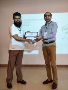 naveed-ramzan-receiving-appreciation-token-by-naeem-iqbal